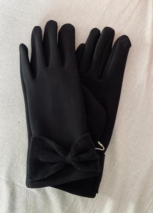 Перчатки красивые,новые,тепленькие