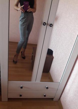 Модні клітчаті брюки