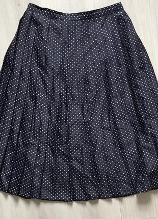 Чёрная юбка плиссе в горошек