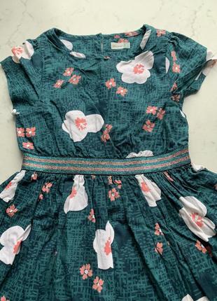 Пышное нарядное платье с блестящим поясом john lewis на 2-3 года
