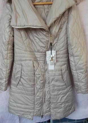 Красивая зимняя куртка. новая!