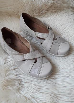 Кожаные туфли на липучках hotter 35.5 размер