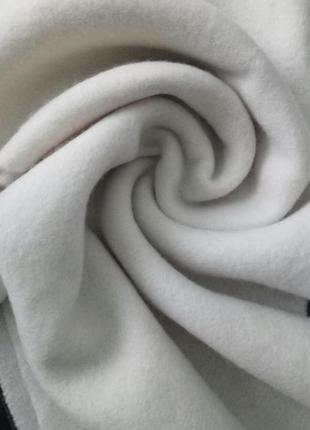 Теплый ,приятный,шарф цвета топленого молока, 100% шерсть ягненка р. 27 х 176 см., италия