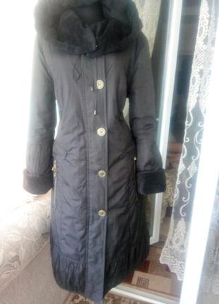 Пальто с капюшоном из плащевки на меху м-l