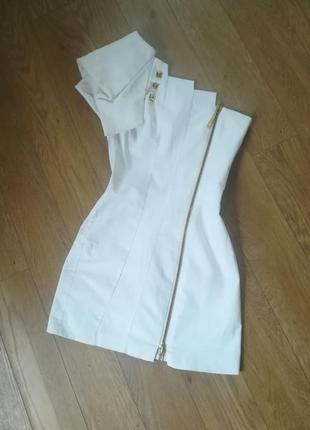 Нарядное платье на одно плечо