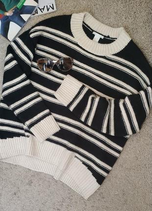 H&m cтильный свитер свободного кроя/ рельефной вязки в полоску