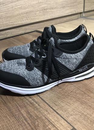 Фирменные кроссовки venice