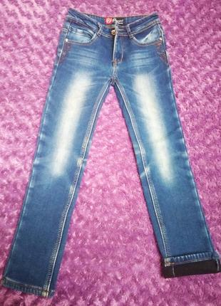 Теплые джинсы на девочку размер 128
