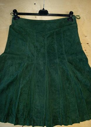 Замшевая юбка в складку