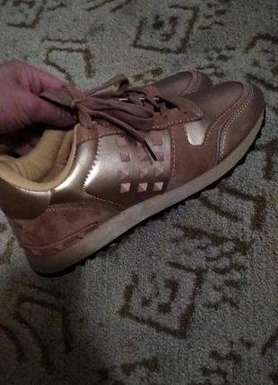Стильные кроссовочки valentino