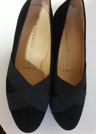 Черные туфли на небольшой платформе peter kaiser 37,5 - 38 натуральная замша