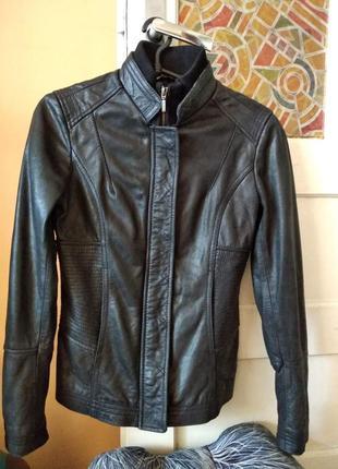 Стильная  кожаная курточка от promod ( пакистан) , размер eu 36  будет на 42 - 44