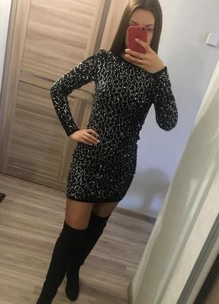 Красивое бархатное платье в пайетках 😍