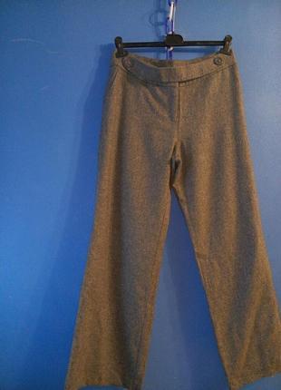 Широкие свободного покроя брюки
