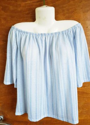 Нежный трикотажный блузон размера 50-52.