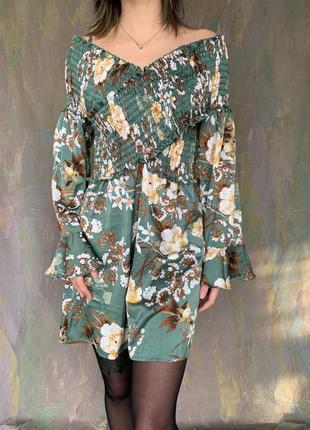 Платье туника с голыми плечсами