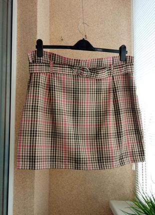 Красивая стильная юбка мини в клетку