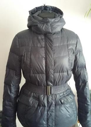 Пуховая куртка с капюшоном