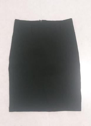 Классическая чёрная мини юбка