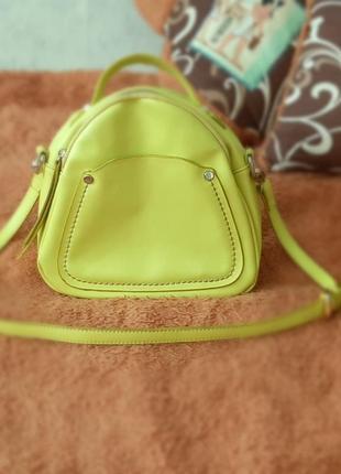 Очень яркая и красивая сумка