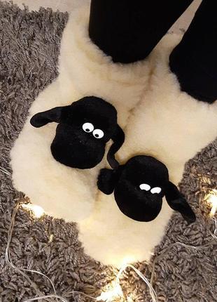 Теплые тапочки сапожки из овчины, домашняя обувь. есть все размеры.