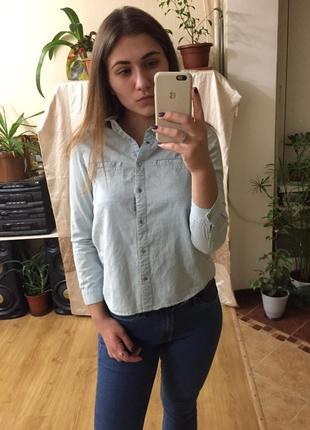 Крутая актуальная джинсовая рубашка