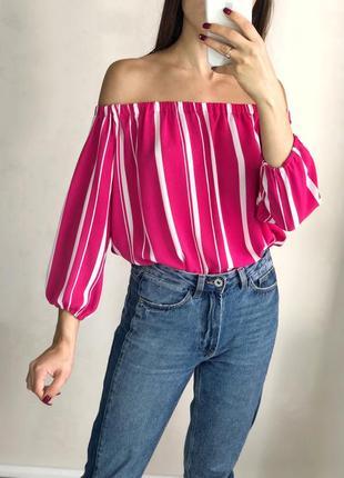 Яркая блуза на плечи в полоску