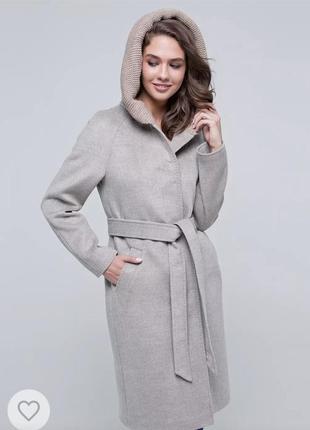 Пальто c капюшоном