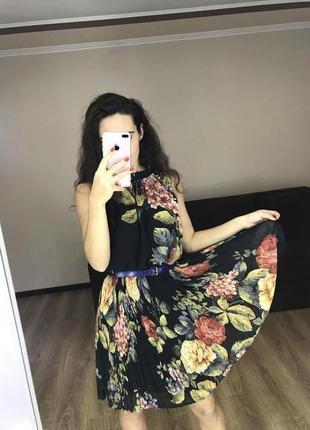 Платье плиссировка тренд сезона цветочный принт anna field