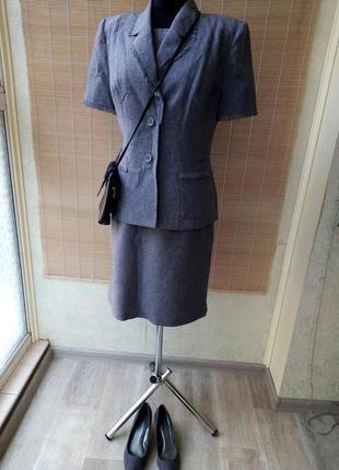 Летний винтажный офисный костюм-тройка