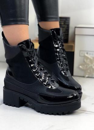 Демисезонные ботинки на низком каблуке,высокие чёрные ботинки на шнуровке
