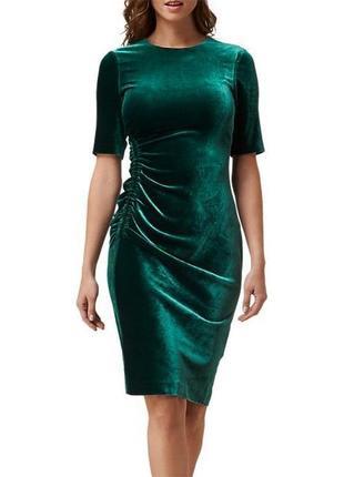 Актуальное нарядное бархатное платье изумрудного цвета, потрясающее!