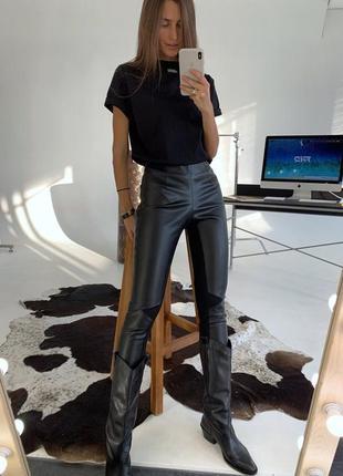 Модные утепленные черные лосины из эко-кожи