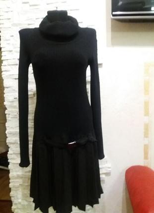 Liu jo стильное платье . воротник хомут.