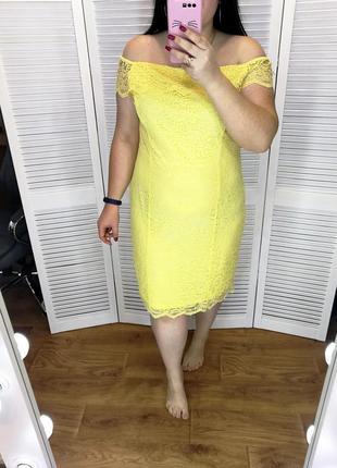Красивое нарядное желтое кружевное платье, по спинке молния, р. 20.