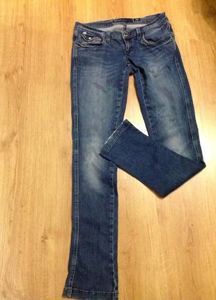 Miss sixty- italy- 30/ фирменные узкие джинсы.