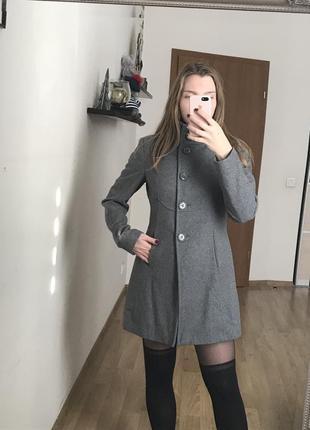 Шерстяное пальто benetton