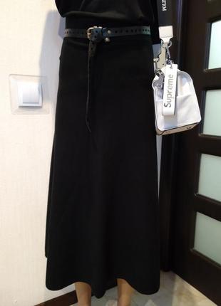 Базовая черная мягкая юбка трапеция