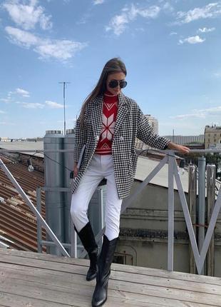 Белые, очень стильные джинсы promod