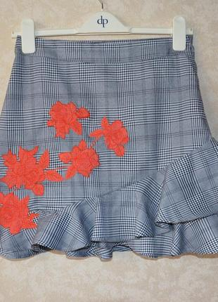 Модная юбка мини в клетку рюша вышивка