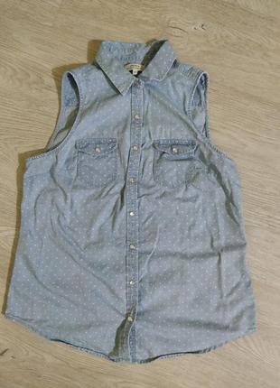 Летняя джинсовая рубашка без рукавов