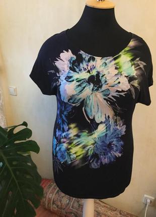 Черная вискозная футболка с принтом в цветы,спущенный рукав, roman, размер 18