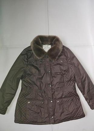 Красивая демисезонная курточка,р-р 20,на наш 54-56