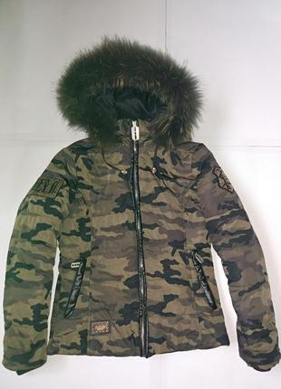 Классная приталенная курточка,р-р s-m,евро зима,в стиле милитари