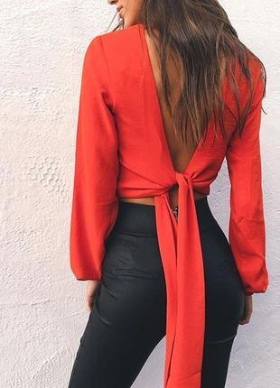 Блузка с отркытой спиной  на запах