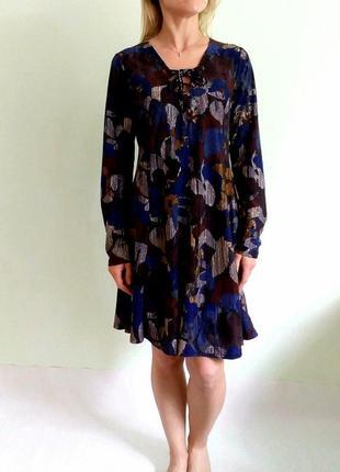 Платье трапеция со шнуровкой на груди