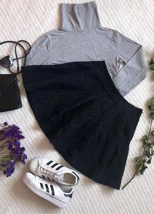 Чёрная юбка солнце из фактурной ткани