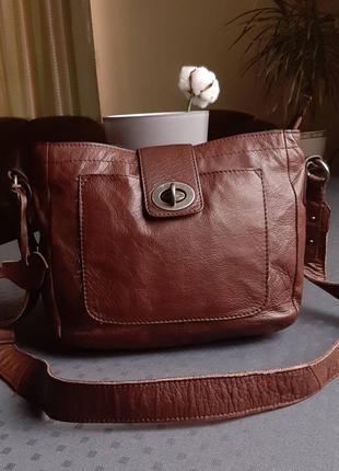 Кожаная красивая коричневая сумка кроссбоди фирмы white stuff