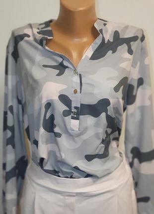 Стильная женская блуза милитари