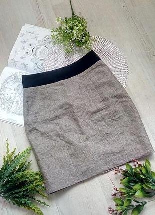 Актуальная серая юбка на каждый день в офис короткая фирменная